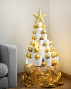 christmas-toilet-paper-tree-with-christmas-lights
